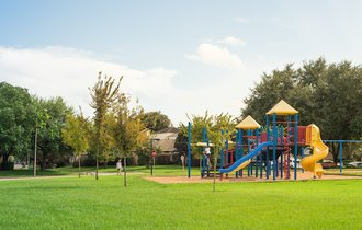 なぜ、友達作りが上手な子どもの親は子と一緒に公園へ行くのか