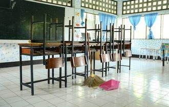 実は日本だけ。なぜ我が国の学生は毎日学校を掃除しているのか?
