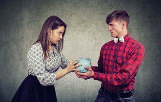 離婚した元夫から年金が半分貰えるという話は本当なのか?