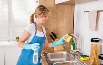 アレルギーや喘息の原因も。台所の黒カビを少しの手間で防ぐ方法