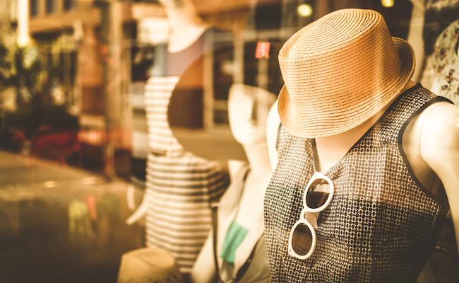 SNSで流行ってる服が、地元ではちっとも売ってない納得の理由