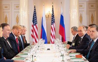 トランプとプーチンの仲を引き裂く、米国内7つの反ロシア勢力