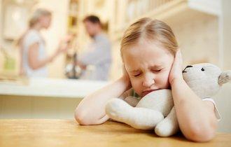 喧嘩はやめて。夫婦で子育て方針が違うと子供に悪影響は出るか?