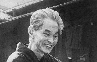 文豪・川端康成が「葬式の名人」と呼ばれていた悲しい理由
