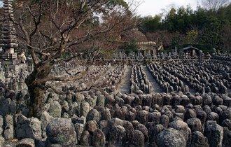 800基の行燈に囲まれて命の大切さを感じに「地蔵盆」の京都へ