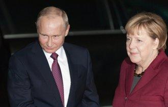 世界に拡がる反トランプの輪。結束のEU、ロシア、中国に日本は?