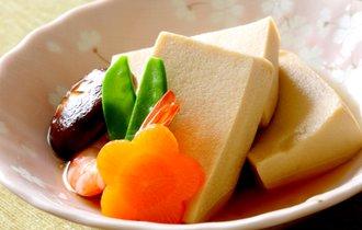 これスポンジやない、高野豆腐や。地味でも実は身体にオイシイ訳