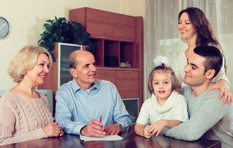 総額200兆。認知症で財産凍結される前にすべき「家族信託」とは
