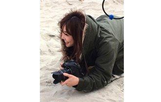 倉科カナの美人カメラマン姿にファン「神々しい写真!」