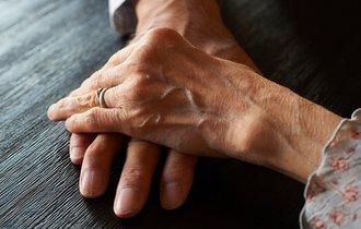 夜の夫婦生活は何歳まで?50代からの性事情と「営み」拒否リスク
