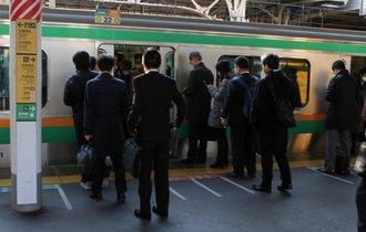 なぜ日本のサラリーマンの年収はいつまで経っても低いままなのか