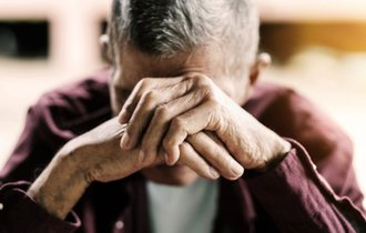 寄り添い共感。温かさが緩和する、いじめ・虐待被害者の痛み