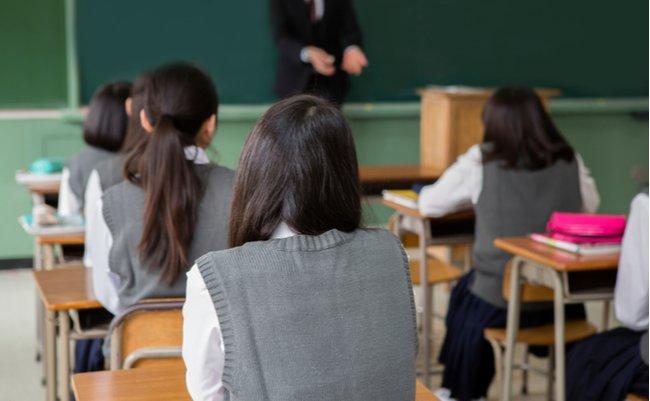 いじめを放置した教師が罰せられる法案に誰が反対しているのか?