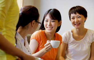 現役アナウンサーが教える、聞き手の興味を引く話し方の方程式