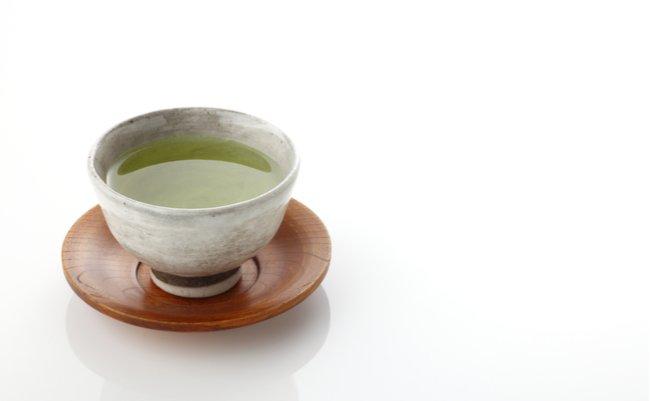 「お茶くみは女性の仕事」の意識が招いた少子高齢化社会ニッポン