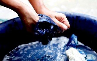 藍色を「ジャパン・ブルー」と名付けたのは英国人化学者だった