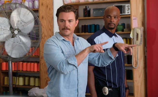 海外ドラマ刑事が着るデニムシャツ、しまむらで全部揃うんじゃね?