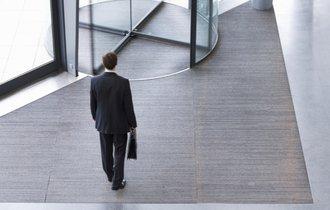 なぜ仕事ができる上司は、毎日定時に会社を出ることができるのか