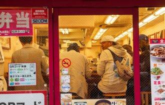 自営の食堂が消え、チェーン店だらけの日本が不幸でしかない理由
