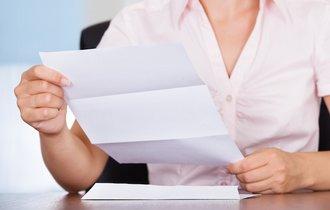 会社に届いた個人宛の親展封書。開封したら会社は罪に問われる?