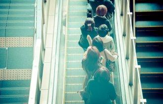 職業を選べない日本の就職事情。経済と精神、両面の安定は可能か