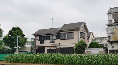 写真中央の家が事件現場、MAG2 NEWS撮影
