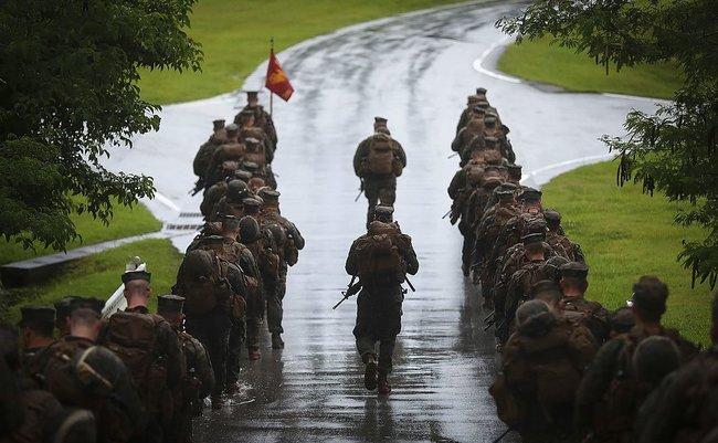U.S._Marines_with_Alpha_Company,_1st_Battalion,_3rd_Marine_Regiment,_conduct_a_movement_to_Range_1_aboard_Camp_Hansen,_Okinawa,_Japan,_June_14,_2017