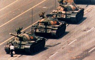30年経って判明。あの天安門事件から日本人を救った「真の英雄」