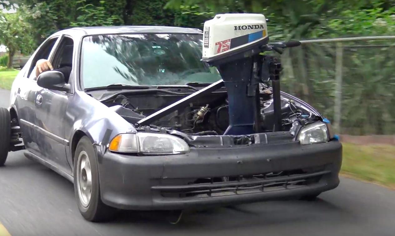動画】凄い…ボートのエンジンを車に積むという魔改造 - まぐまぐニュース!