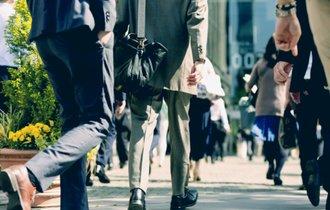 生活苦しい57%、平均所得4年ぶり減の衝撃。厚労省調査が示す現実