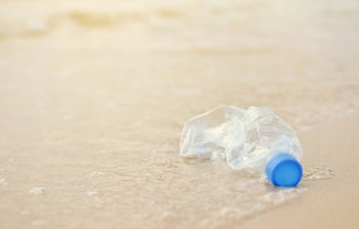 プラスチック使い捨て大国ニッポン。「汚名」は返上できるのか?