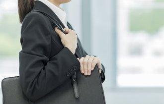 日本の悪癖を象徴。「黒い就活スーツ」をすぐに辞めるべき理由