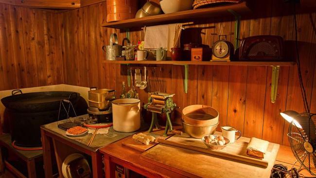 安藤百福がチキンラーメンを開発した発明小屋