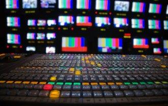ぶっ壊すのはNHKだけじゃない。吉本興業問題とテレビ利権の深層