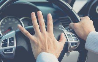 あおり運転の被害者にならないために。路上で身を守る5つの方法