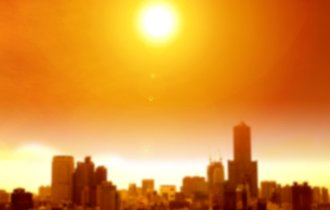 なぜ地球温暖化が労働時間を削減するのか。気候と収入の深い関係