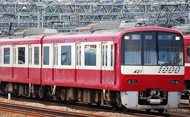 1280px-Keikyu_1000_series_EMU_(II)_421