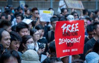 デモ続く香港の民主化リーダーがドイツで見せた鮮やかな情報戦