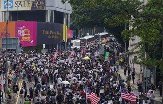 香港デモ扇動で中国潰しに動く米を裏切り習近平に近づく日本の愚