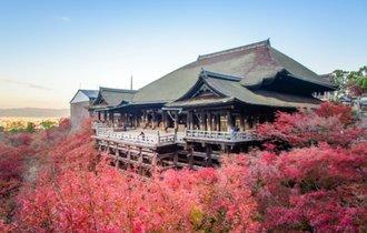 清水寺を訪ねる前に知っておきたい、本堂が崖にせり出している訳