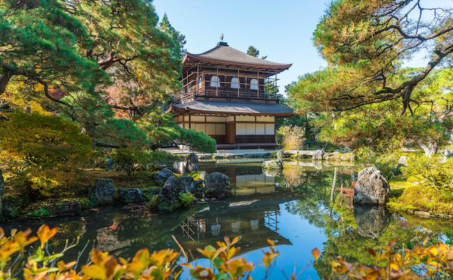 義政公の夢の跡。銀閣寺で室町幕府八代将軍も愛でた月を観る旅へ