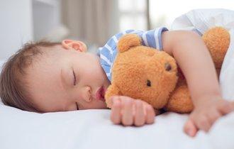 寝かしつけを遊びにする。寝たがらない子どもを眠りに誘う裏ワザ