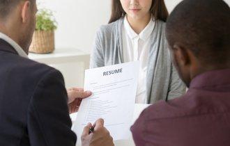 期待するのは「抑止力」。入社時の身元保証書提出が必須な理由