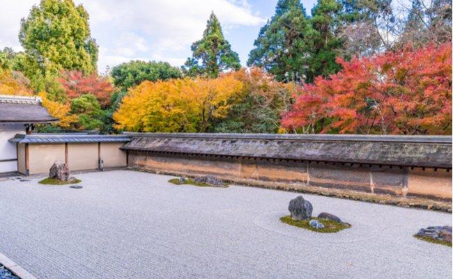 京都ミステリー。龍安寺の石庭へ行く前に知っておくべき3つの謎