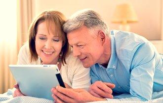 高齢者ほどネット活用の場合も。ハマってはいけない思い込みの罠
