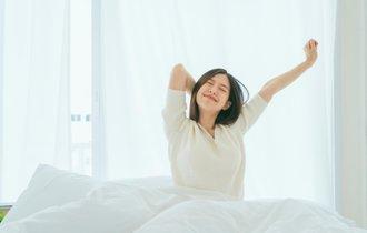 寝てるけど疲れがとれない。睡眠負債を解消するココアの飲み方