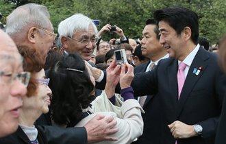 首相とジャパンライフ元会長を繋ぐ「渡航記録」と「中元リスト」