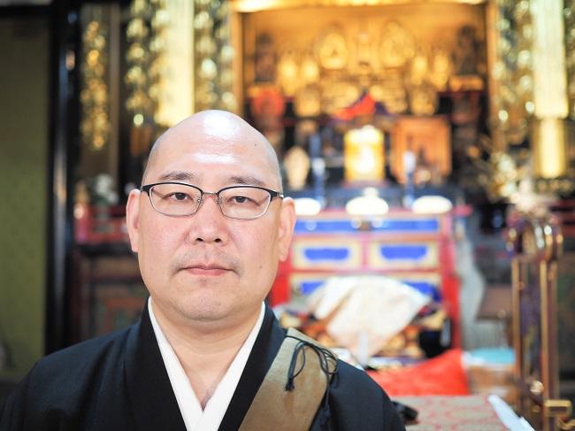 ▲「怪談和尚」と異名をとる京都「蓮久寺」住職、三木大雲さん