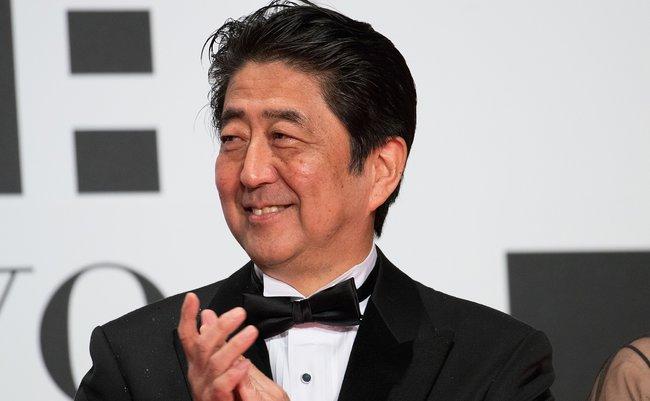 Prime_Minister_Abe_Shinzo_at_Opening_Ceremony_of_the_Tokyo_International_Film_Festival_2016_(32831191783)