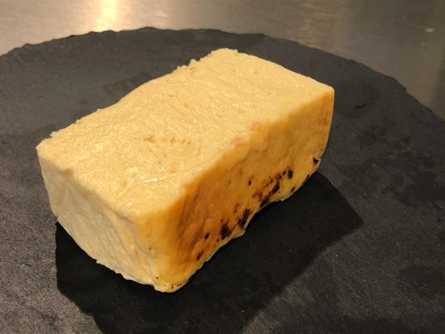 つくるの、テリーヌバスクチーズケーキは糖質15.1グラムの低糖質とグルテンフリーをアピール(600円、税込)